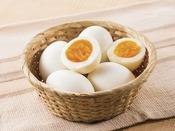 ■ご当地メニュー■コンフォートホテル北上のゆで卵は岩手県が生産地。カラダにうれしい塩分控えめ。スルッと殻がむけるゆで卵をご賞味ください
