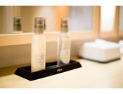 女性大浴場の化粧水・クレンジング(POLA)