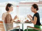 暖かい季節はお部屋のバルコニーで朝食タイム♪(洋食バスケット