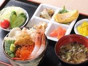 【追加料金で…】函館朝市から海鮮丼がお部屋に届きます(メニュー 一例)