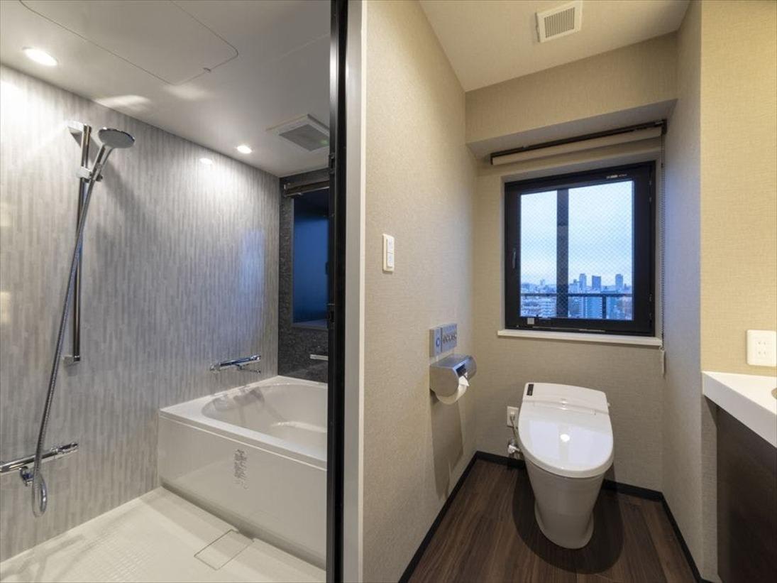 デラックスツインルームのみ、浴室とトイレが分かれております