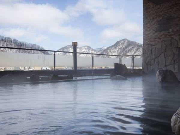 露天風呂からの冬景色