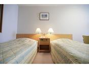 ツインルーム お部屋も広く快適にお過ごしいただけます。
