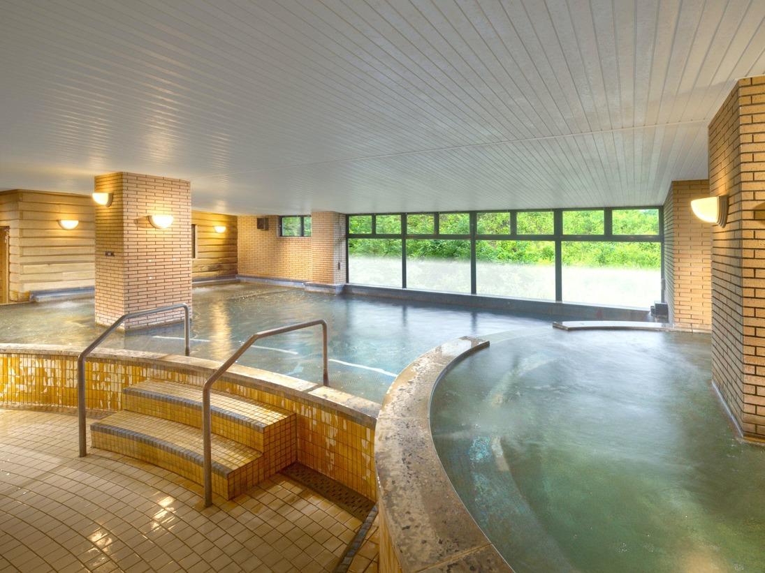 【奥白馬温泉】展望岩風呂、寝湯、ジャグジー、 ミストサウナやドライサウナ、檜湯など11種の湯めぐりを