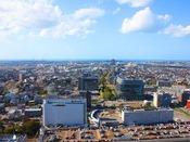 高層フロアから昼の西側の眺望