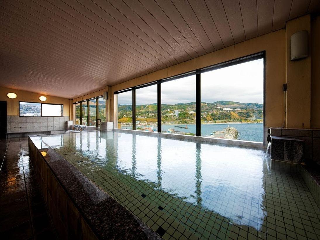 6階大浴場で景色一望