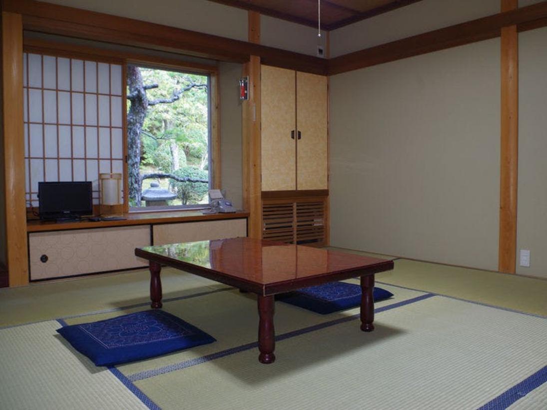 *和室:6~10畳のお部屋を人数に合わせてご用意いたします