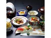 日昇館個室食イメージ(伊勢海老ワイン蒸し)