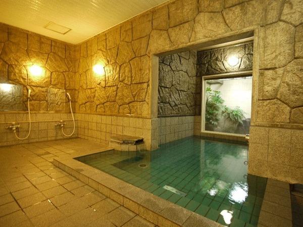 男女別活性石人工温泉大浴場