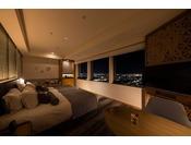 2020年3月リニューアルオープン!新しいお部屋で心地良いひと時を!「ニッコーフロア(Nikko Floor)」デラックスハリウッドツイン・夜(一例)お部屋から金沢の夜景をお楽しみくださいませ。