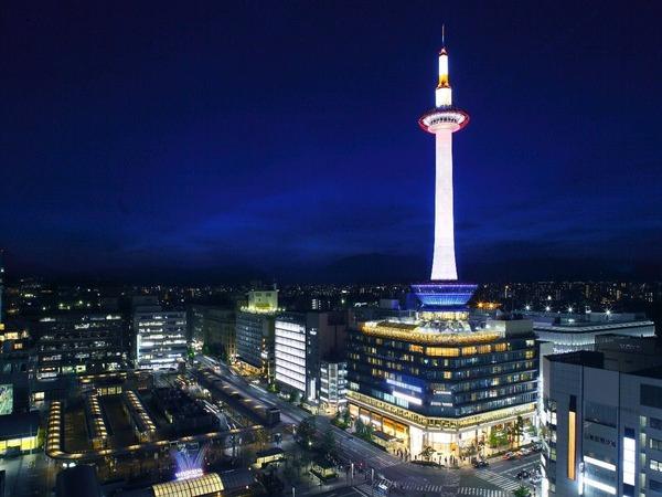 ホテルから徒歩約3分!京都タワー