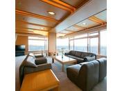 当ホテル最高級のお部屋、太平洋を180度以上のパノラマでご覧いただける自慢のお部屋。