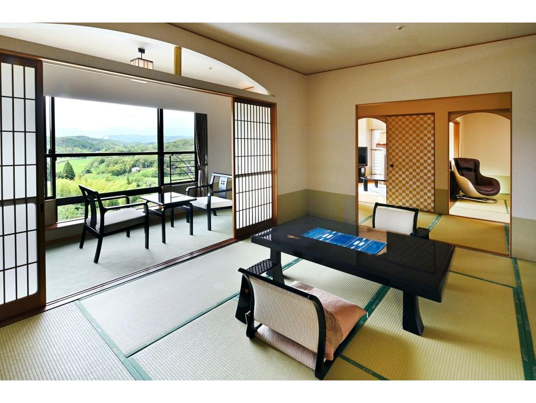 和室2部屋とリビングルームが有るお部屋です。当館では一番長めの良い特別室です。
