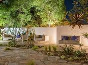 *【屋外施設(本館横ガーデン)】「にわ」四季の自然と静寂に包まれた庭