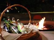 【焚き火リビング】ゆったりとしたひとときを、一層楽しむためのドリンクをご用意しております。