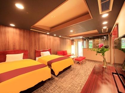 シモンズ製120cm幅のワイドサイズベッドは寝心地抜群