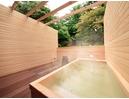 檜香る露天風呂