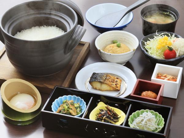 身体に優しい和朝食で一日を元気にスタート