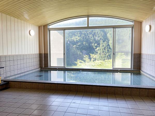 マウンテンビューが望める大浴場