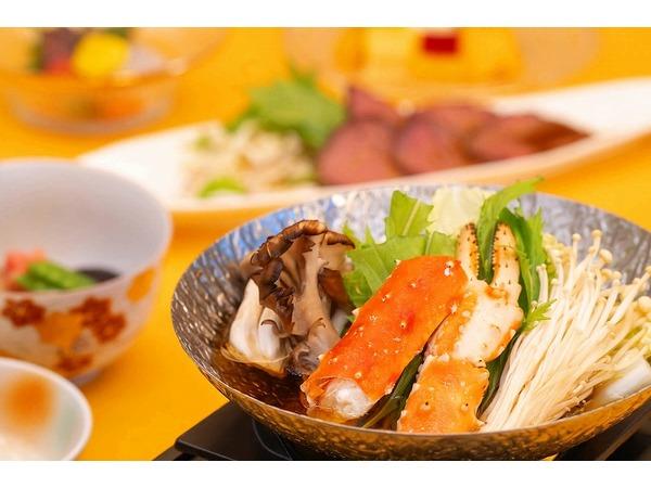 タラバ蟹・旬菜等の山海鍋とローストビーフ(秋の献立)