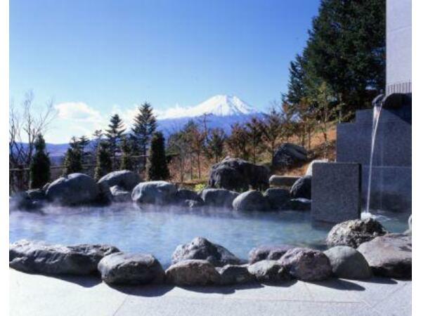 大浴場【満天星の湯】 男性露天風呂からの富士山