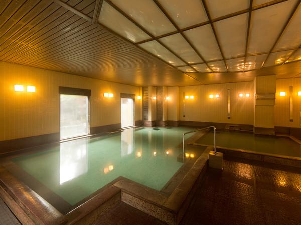 温泉大浴場は、草津湯畑源泉を引いています。