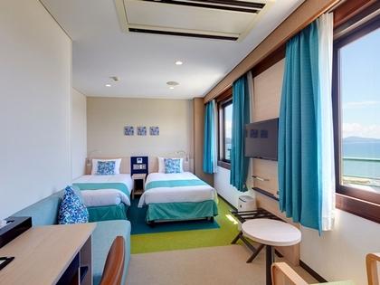 【本館】エコノミーツインルーム L字型の空間を活かしたっぷりスペースの洋室