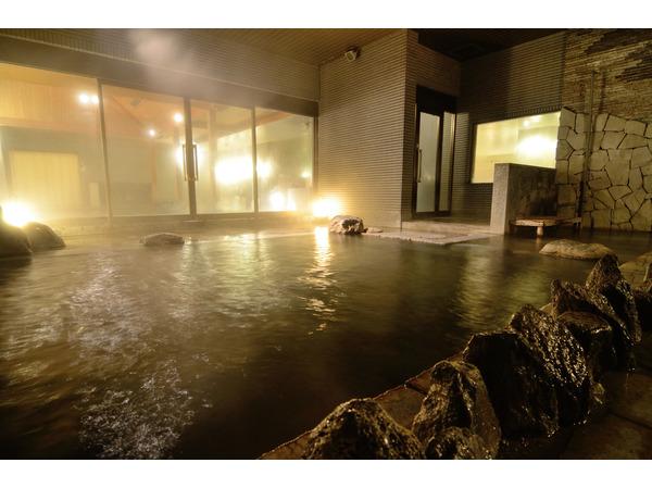 朝10時まで入浴可能な大浴場
