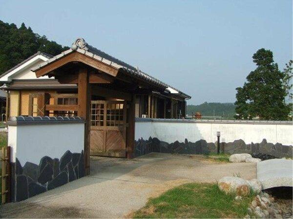蓬の郷(よもぎのさと)民宿村正門