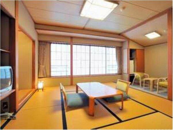 【市街地側和室8帖】海は見えませんが、落ち着いた雰囲気の和室でゆっくりお寛ぎ頂けます/一例