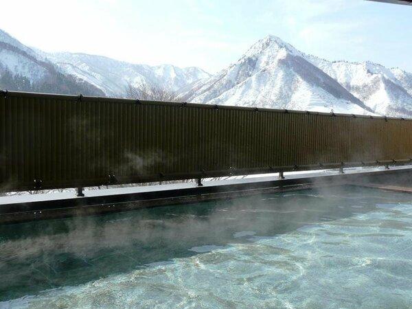 【別館露天風呂】温泉でのんびり、目の前に広がる大パノラマをお楽しみいただけます♪