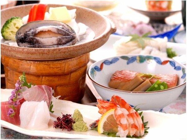 部屋食♪金目煮付けとアワビ料理で満足プラン