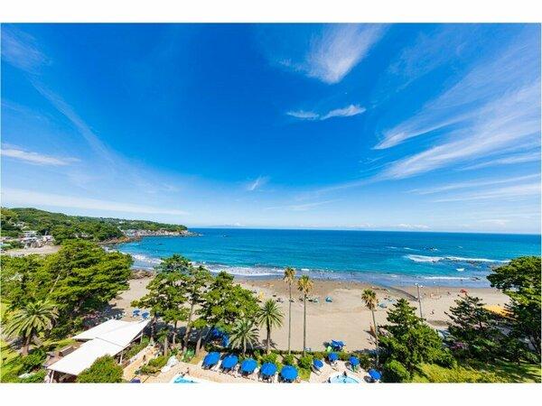 ホテルの目の前に広がる今井浜海岸