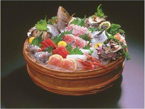 魚好きにはたまらない♪ランクアップ地魚お造り盛合せ