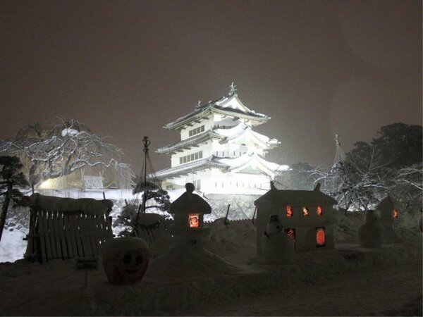 冬の弘前城