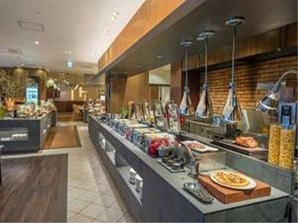 ランチ/国際色豊かで幅広いジャンルの料理をブッフェスタイルで