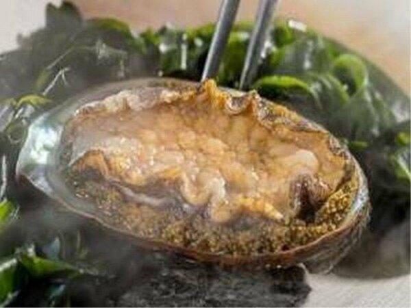 鉄板焼き/新鮮な魚介をダイナミックに焼き上げます