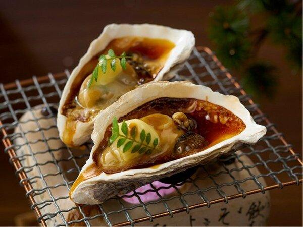 12/1~2/28【期間限定】殻付き牡蠣のバター醤油焼き