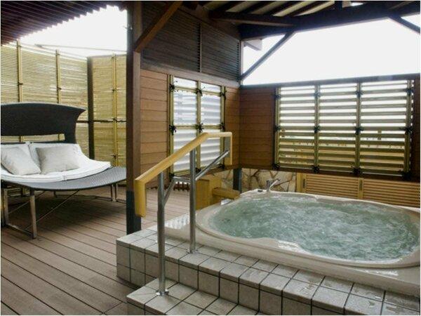 ■天祥の館(温泉露天風呂付スイート客室(366号室)) 洋風ワールプールバス