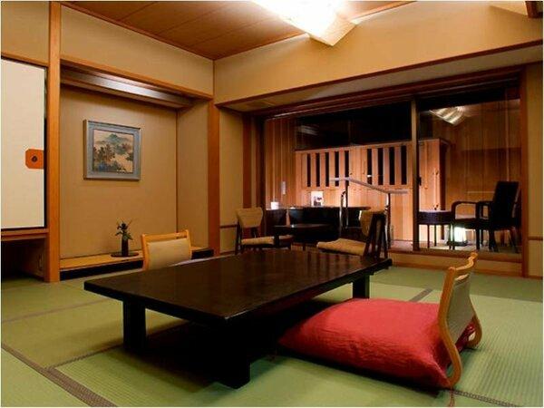 ■白雲南館(展望温泉露天風呂付客室(828号室)) 和室