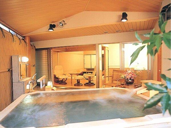 白雲南館庭園温泉露天風呂付客室