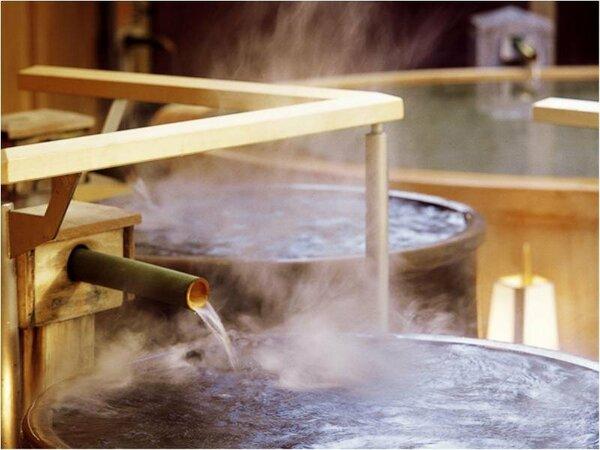 ■大浴場「滝見の湯屋」(露天かめ風呂)