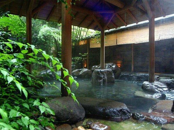 城崎温泉のお湯を、多彩な設備が整った「月下の湯」でお楽しみください