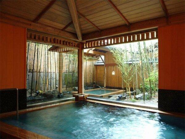 檜が香る大浴場と露天風呂の「吉の湯」
