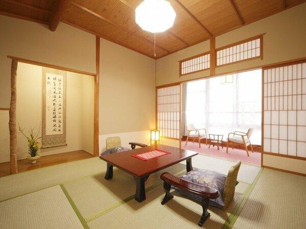 ■和賀川の清流を眺める和室
