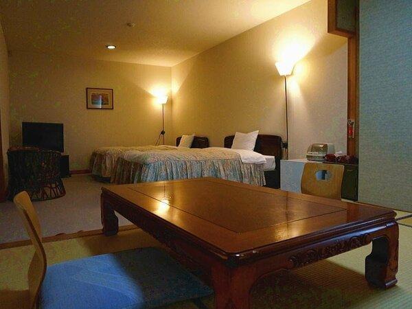 【客室一例】特別和洋室:1日1組限定のお部屋。広々とした空間で贅沢なひと時をお過ごしください。