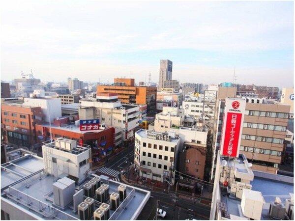 最上階12階の「椿山荘」からの昼の眺望。
