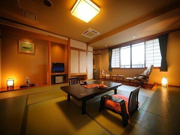 基本客室 和の趣あふれる佇まいと設えが、心地よさを演出。