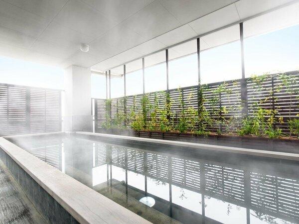 自家源泉の天然温泉の大浴場