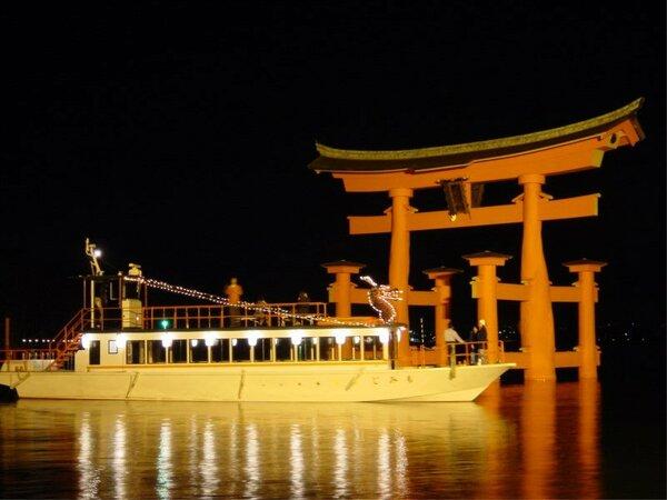 ホテル桟橋から出航する「世界遺産ナイトクルーズ」は貴重な経験になること間違いなし!